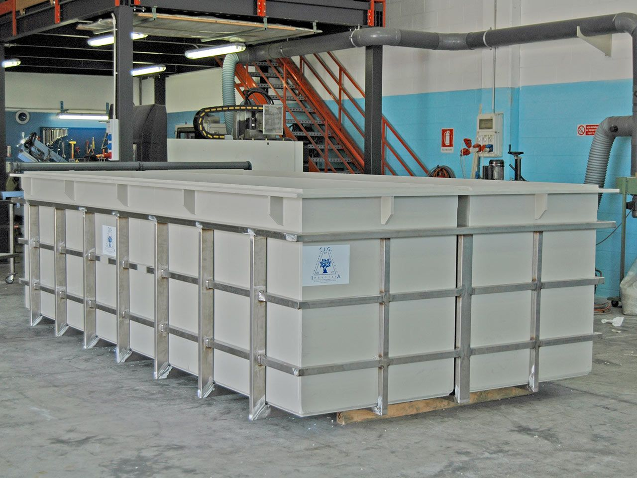 Polypropylene tank for metal surface treatment plant | C I G  Castelli